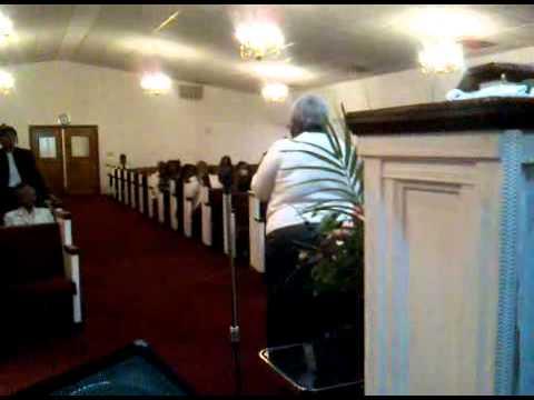 Linda Richardson sings in Charlotte, NC.
