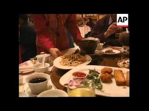 CHINA: SNAKE MEAT DISHES (V) - YouTube