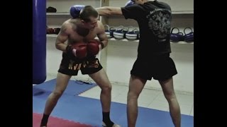 Тайский бокс Обучение - Как работать против высокого бойца(Бесплатные и проверенные 4 видео урока покажут как Освоить идеальную технику Муай Тай уже через 2 недели,..., 2014-08-10T07:00:11.000Z)