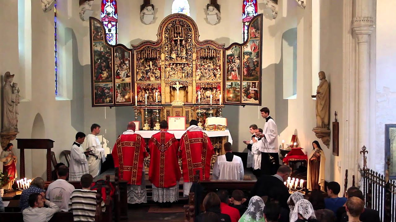 Mass Facing East: Two thousand years of liturgical orientation