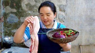 苗大姐大块五花肉炒来吃,越吃越香,好吃到停不下来