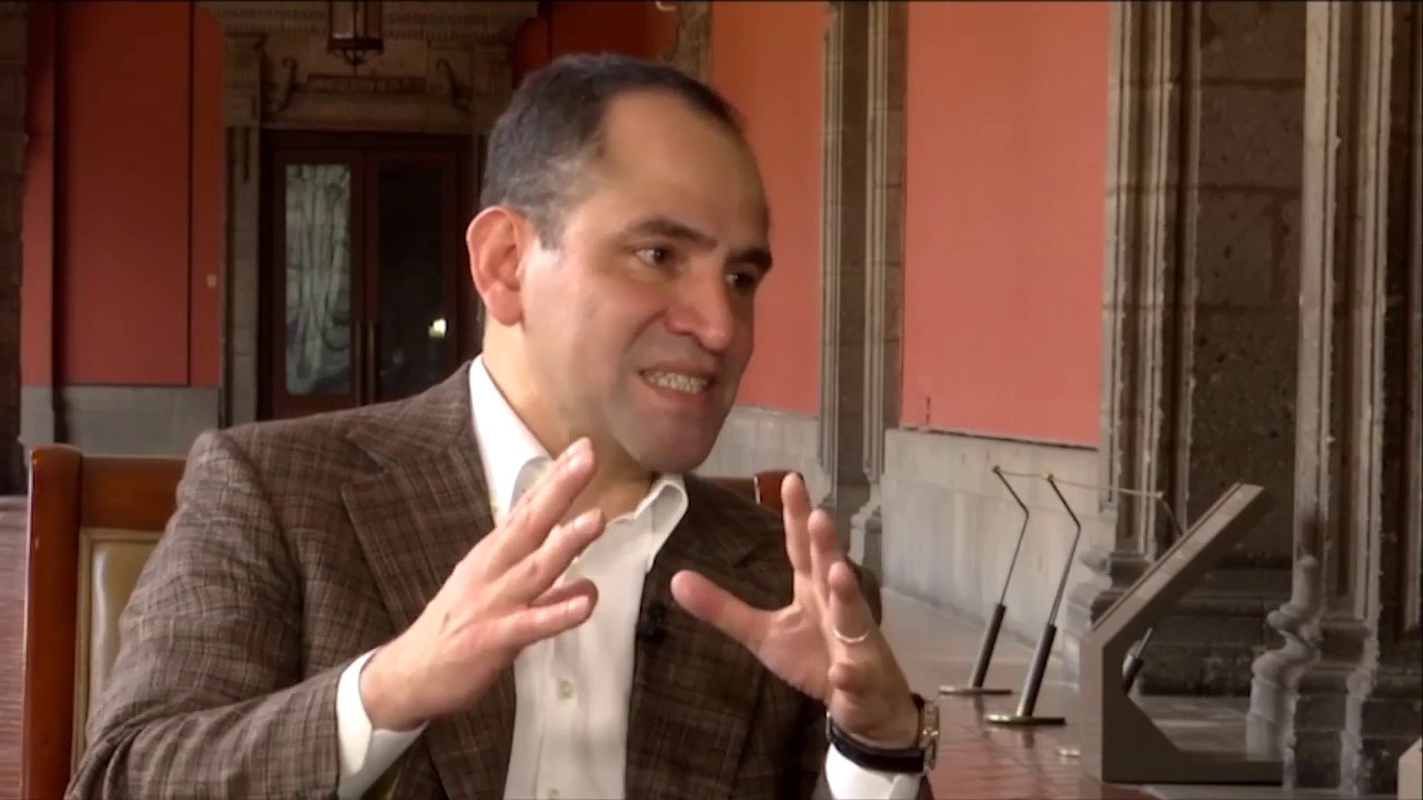 Entrevista secretario de Hacienda Arturo Herrera con Jenaro ...