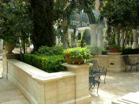 The Venetian Pool Garden