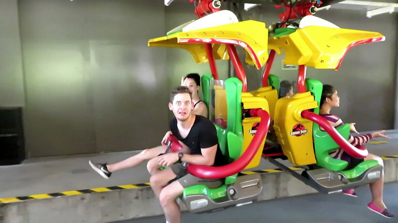 Abby and Aaron Visit Universal Studios Singapore! VLOG #10