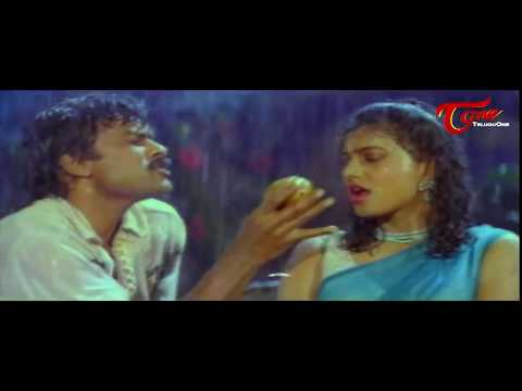 Chiranjeevi Romance With  Roja || Best...