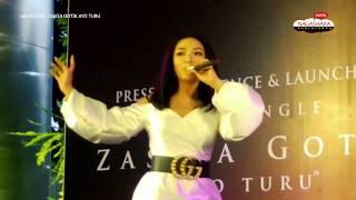 Live Perform Zaskia Gotik Tarik Selimut MP3