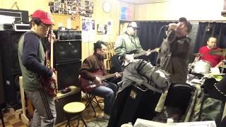 八戸市のアマチュアバンドアストロ球団風の練習風景です。 The Rolling ...