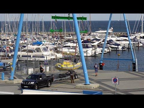 4K | Yacht Hafen Harbor Grömitz - Schiffskran Ship crane - Sea Help