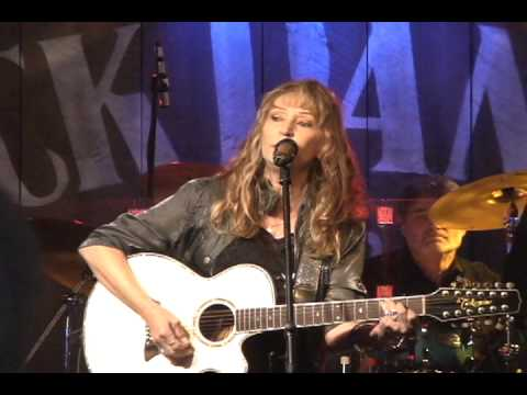 "Juice Newton & Exile - ""Angel Of The Morning"""