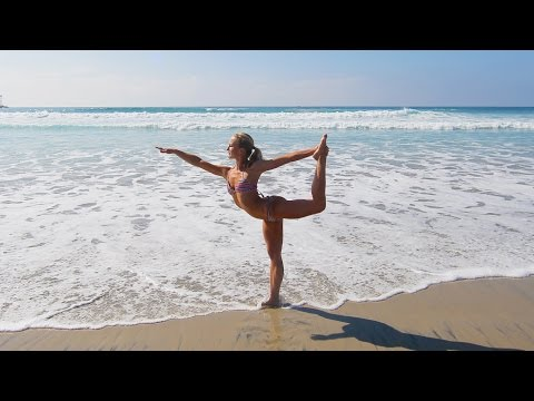 4K BIKINI BEACH YOGA BLOOPER - Andrea Gets Wet!
