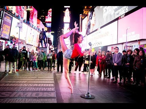 DANCE MOMS KAELI AND ELLIANA TAKE THE 10 MINUTE PHOTO CHALLENGE WITH HUGE CROWD IN TIMES SQUARE