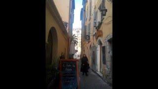 Toulon un jour de marché dans le quartier authentique près du port 83000