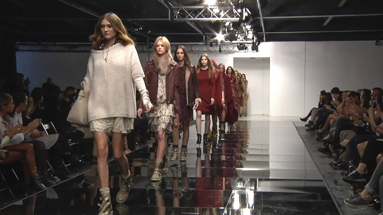 TWINSET Simona Barbieri Fall Winter 2015/16 Precollection Fashion ...