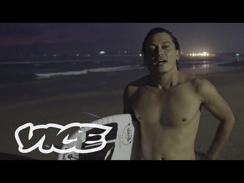 Tipi Jabrik Belajar Menjadi 'Norak' di Surga Para Hipster Bali: Searchlight