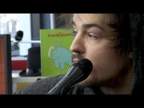 Milky Chance - Stolen Dance (Live at joiz)