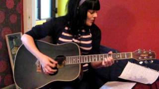 acoustic cover  kirsty Mccoll They don't know