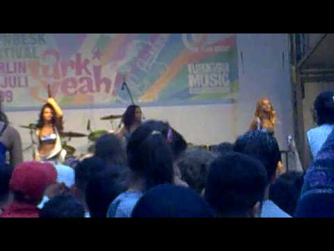 RnBesk Festival (Görlitzer Ufer) / Grup Hepsi - Sen Bir Tanesin