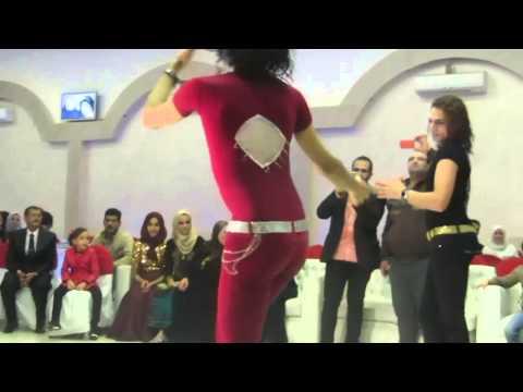 رقص شواذ مصريين فى فرح   لن تصدق ما ستراه thumbnail