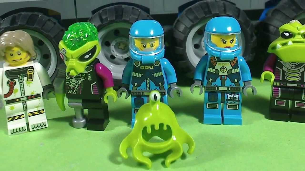 LEGO Alien Conquest UFO Abduction Set 7052 - ToyWiz |Lego Alien Invasion