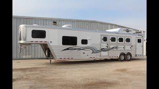 2018 Cimarron 4 Horse Side Load Living Quarters Trailer