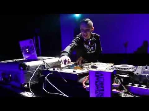 "Промо ""DJ 33"" из команды ""TsunamiFactory"""