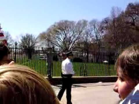 Lt Dan Choi protests outside White House