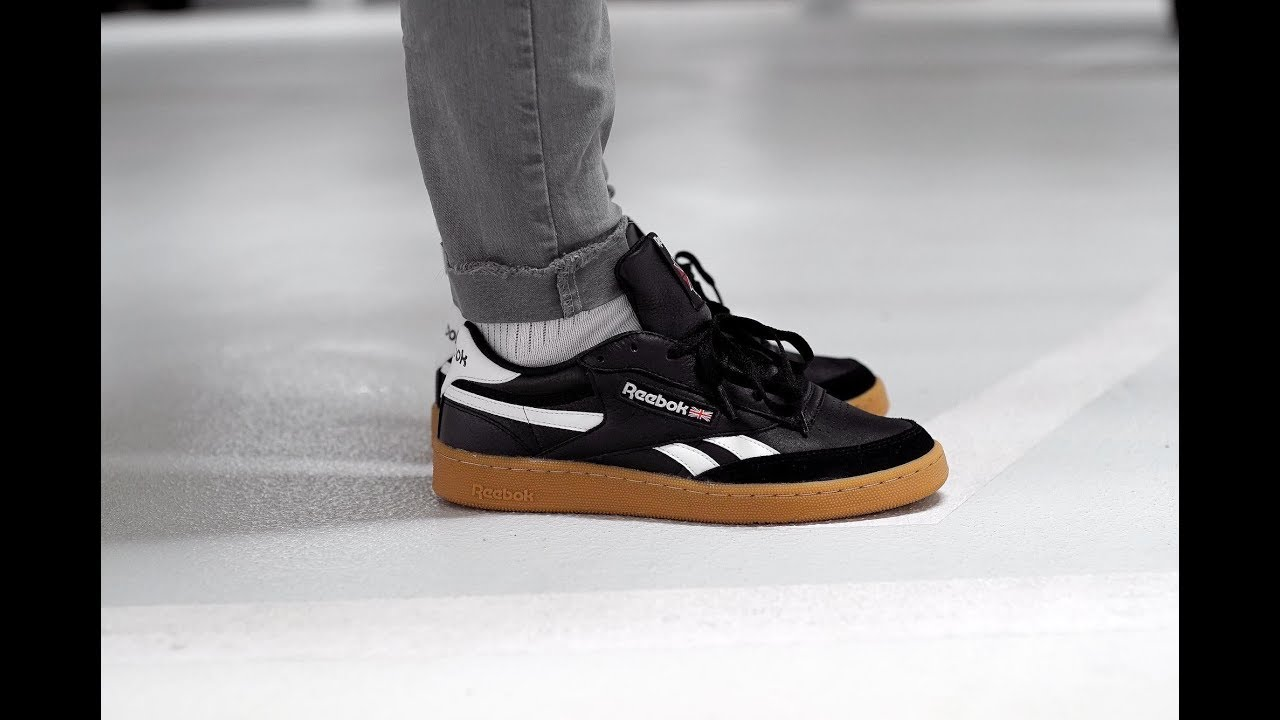 f4d33a9ac2b REEBOK REVENGE PLUS GUM - CM8790 - MATE - YouTube