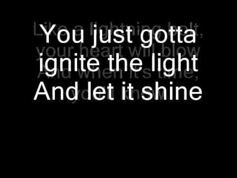 Katy Perry FIREWORK song + lyrics on screen