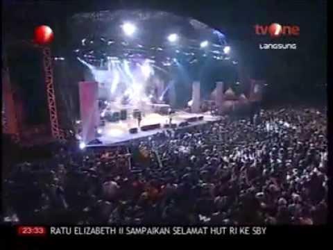 Iwan Fals Hio Live