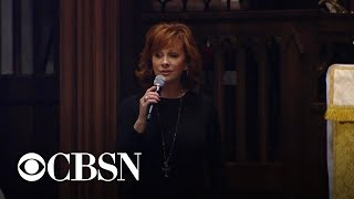 "Reba McEntire sings ""The Lord's Prayer"" at funeral for George H.W. Bush"