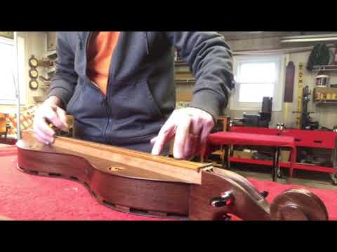 Double-Bottom Mountain Dulcimer