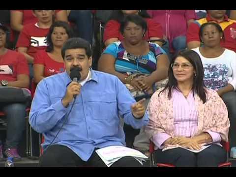 Nicolás Maduro en acto de incorporación de madres y padres cocineros a empleados fijos