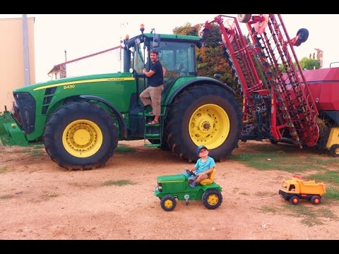 V�deo para ni�os TRACTOR John Deere tractores remolque volquete m�quinas Video Learning For Kids