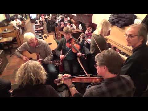 Reels - St Ann's / Angus Campbell / Woodchopper - Kafein Fiddle Session