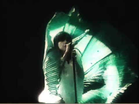 Björk - I Dare You [Live @ The Ahoy]