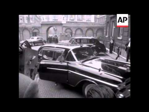 JACKIE KENNEDY ARRIVES AT THE ADMIRALTY - NO SOUND