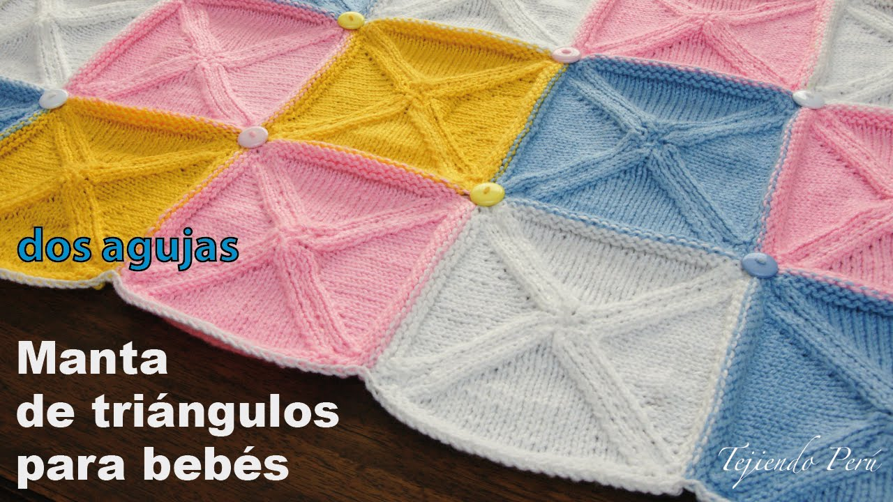 Manta o cobija para bebés hecha con triángulos tejidos en dos agujas ...