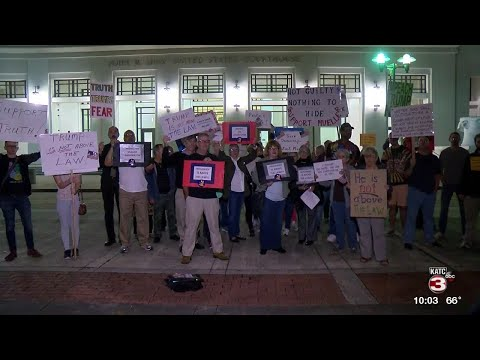 Demonstrators Gather Outside Lafayette Federal Courthouse