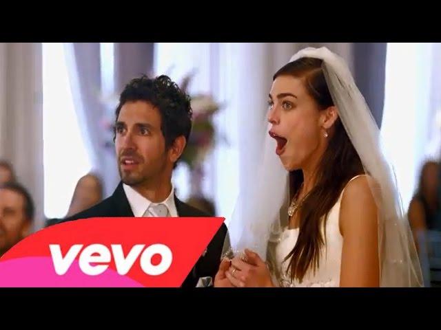Maroon 5 - Sugar (Official Video)