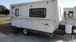 Easy To Pull, Easy To Store And Sleeps 6! 2005 Hi Lo 17T