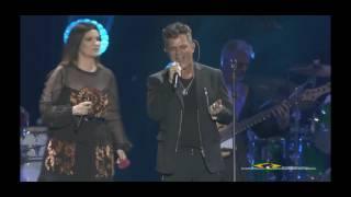 Video Laura Pausini y Alejandro Sanz- La Fuerza del Corazón download MP3, 3GP, MP4, WEBM, AVI, FLV Agustus 2018