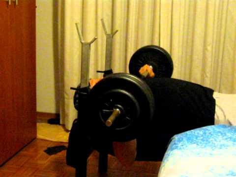 Bench press panca piana allenamento in casa youtube - Panca scott a casa ...