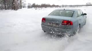 AUDI A8, 4.2 quattro на снегу.