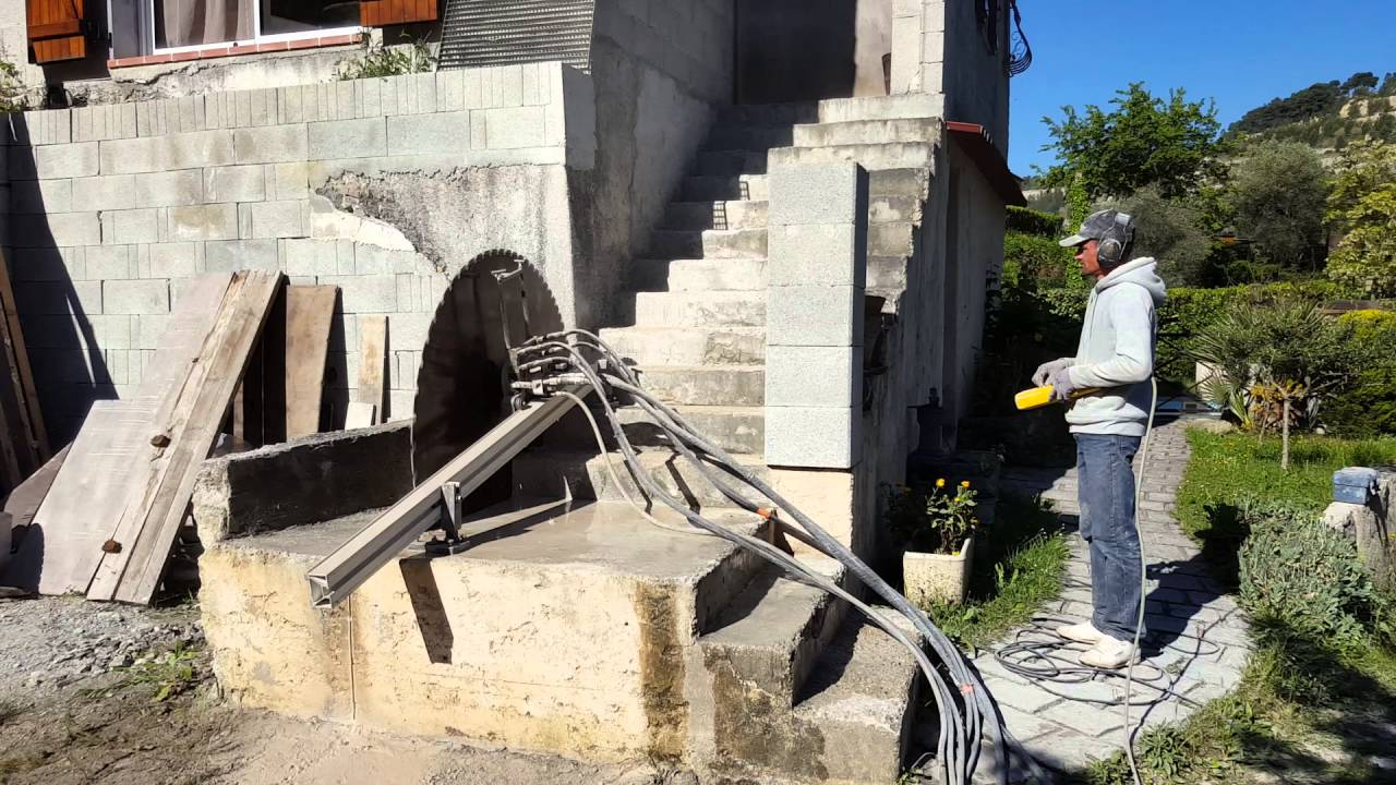 Casser Un Escalier Beton découpe escalier béton - youtube