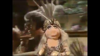 Ruslana Vs Miss Piggy-Wild Dances-video Edit