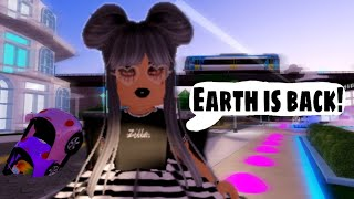 Royale High's New Earth Update! Phone Store!? 🤔/ Roblox Royale High / Gameplay 🏫