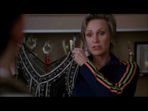 Glee - Sue asks Kurt to dress up as a woman 3x20