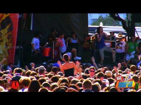 3OH!3  Starstrukk & Colorado Sunrise  in HD! at Warped Tour 09