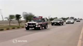 Convoy carrying Indian pilot approaches Indian border