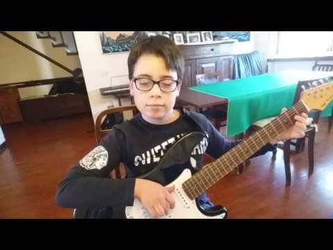 Sofia suonata con chitarra elettrica